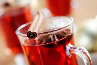 10732212-close-up-of-mulled-wine-glass-with-cinnamon-stick